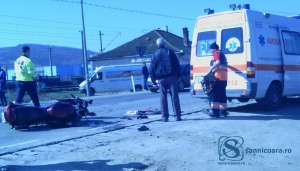 """Accident Un motociclist a fost """"proiectat"""" într-o ambulanță"""